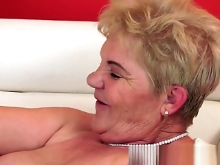 Fat Gilf Corroding Out Superb Teen Babe